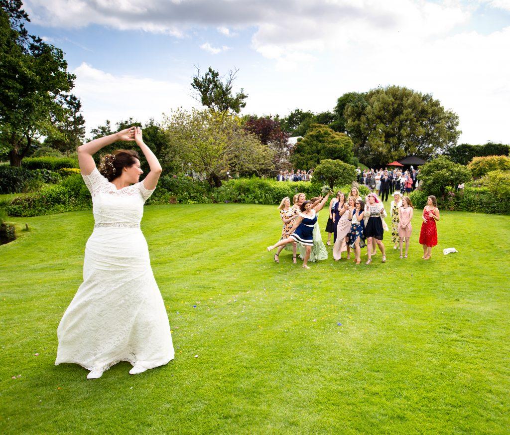 bride flowers throw thrown