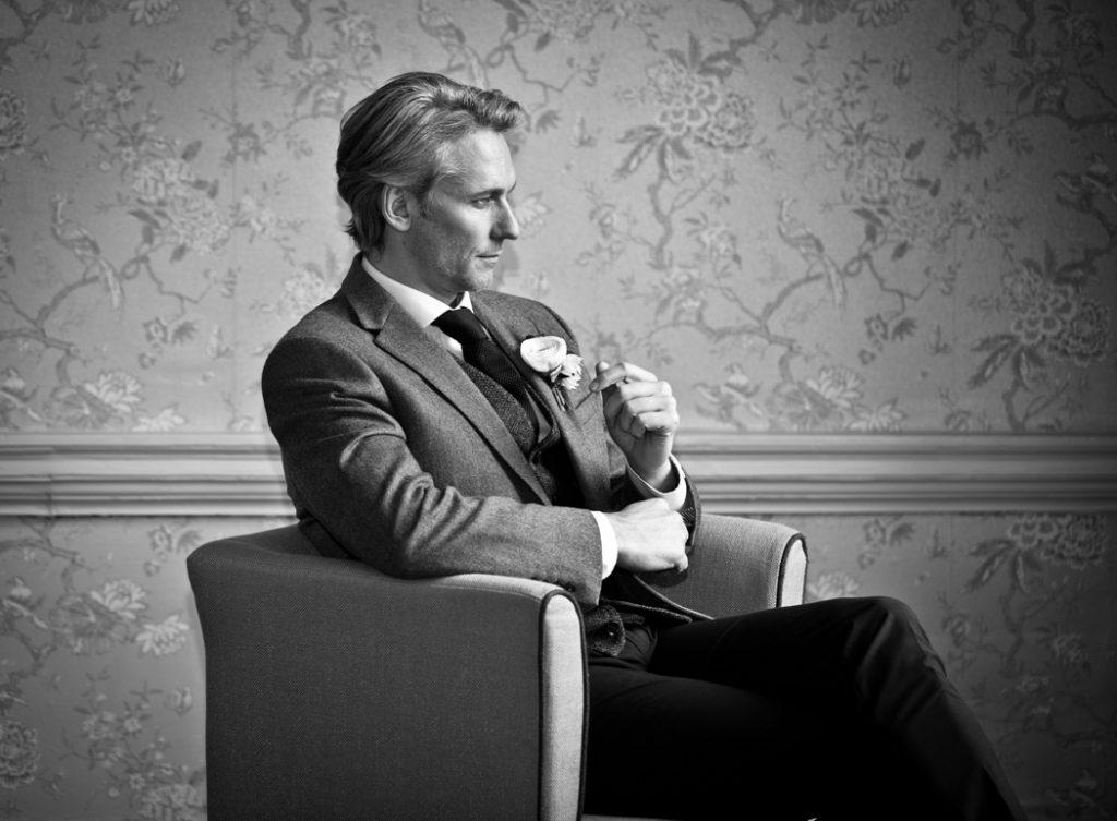 wedding groom chair