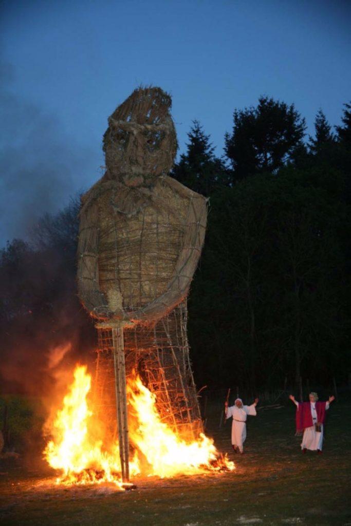 Burn wicker Druids