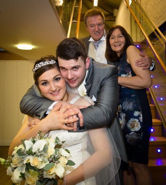 wedding bride groom parents stirs