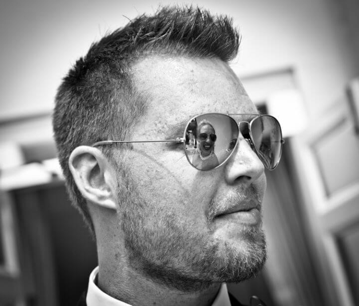 groom bride sun glasses