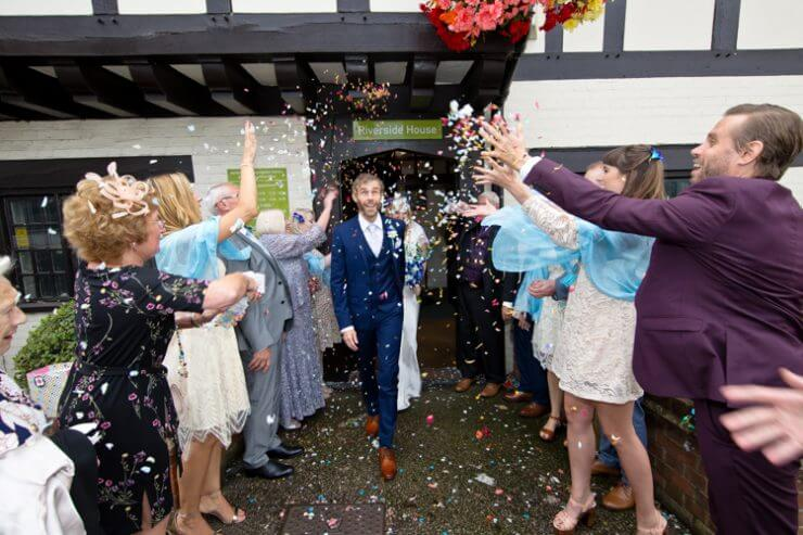 confetti bride groom
